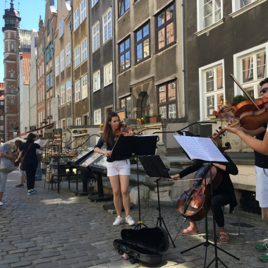 String quartet on Saint Mary Street in Gdansk