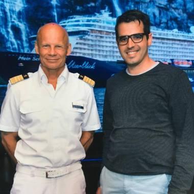 Todd Burgman, Kapitän der Mein Schiff 6, mit eurem Reiseblogger