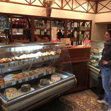 """Large """"piroshki"""" selection in the bulochnaya-konditerskaya (bakery confectionery) at the corner"""