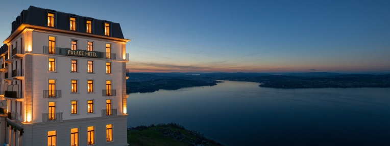 The historic Palace Hotel and the specatcular view over Lake Lucerne (Photo: © Bürgenstock Hotels AG)