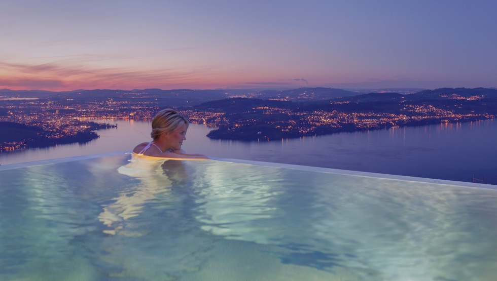 Outdoor pool of the Bürgenstock Resort