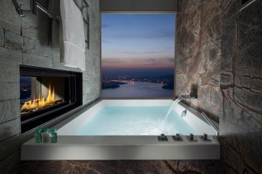 Standard Bathroom in the Bürgenstock Hotel (5* Superior; © Bürgenstock Hotels AG)